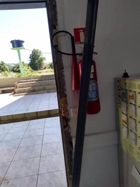 Ladrão invade escola em Coronel Vivida e furta equipamentos; VÍDEO - Noticias