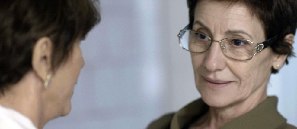 Vera conta a Kiki que já sabe que Lucas também é neto dela (Foto: TV Globo)