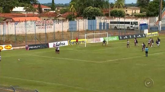 Penapolense vence dérbi e avança; Desportiva bate Náutico pelo Grupo 7