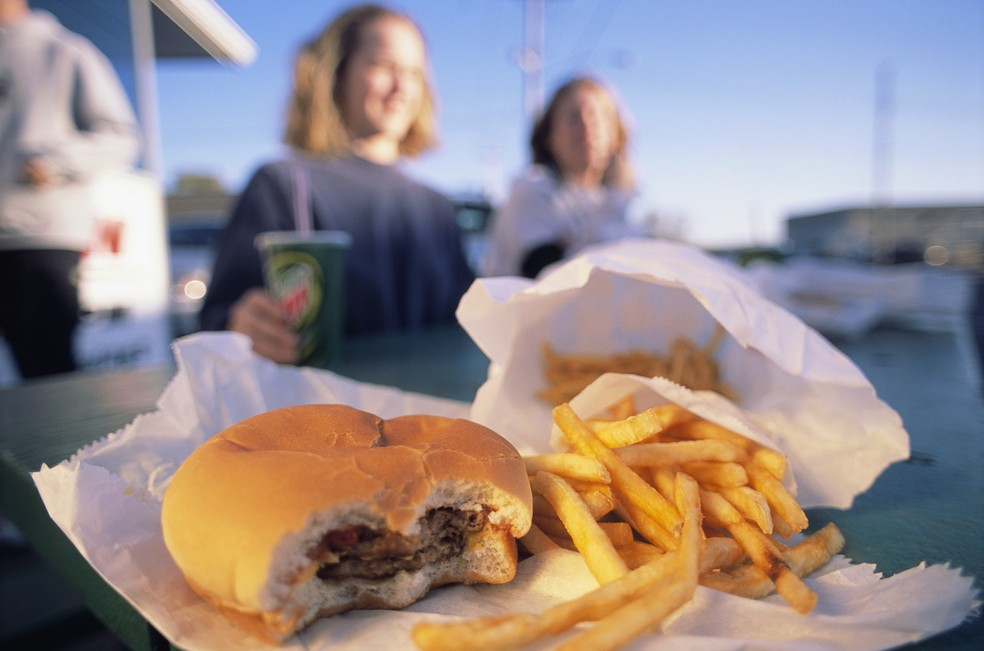 A ingestão de gordura trans deve ser inferior a 1% do valor energético diário (Foto: Getty Images)