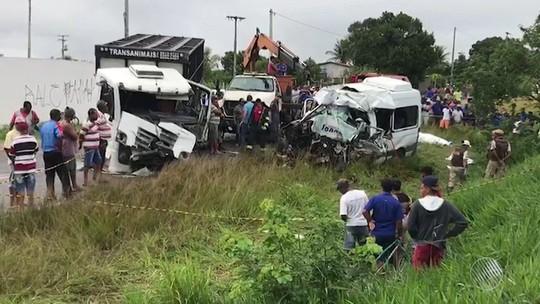 Sobreviventes de acidente que matou 8 não correm risco de morte, diz médico