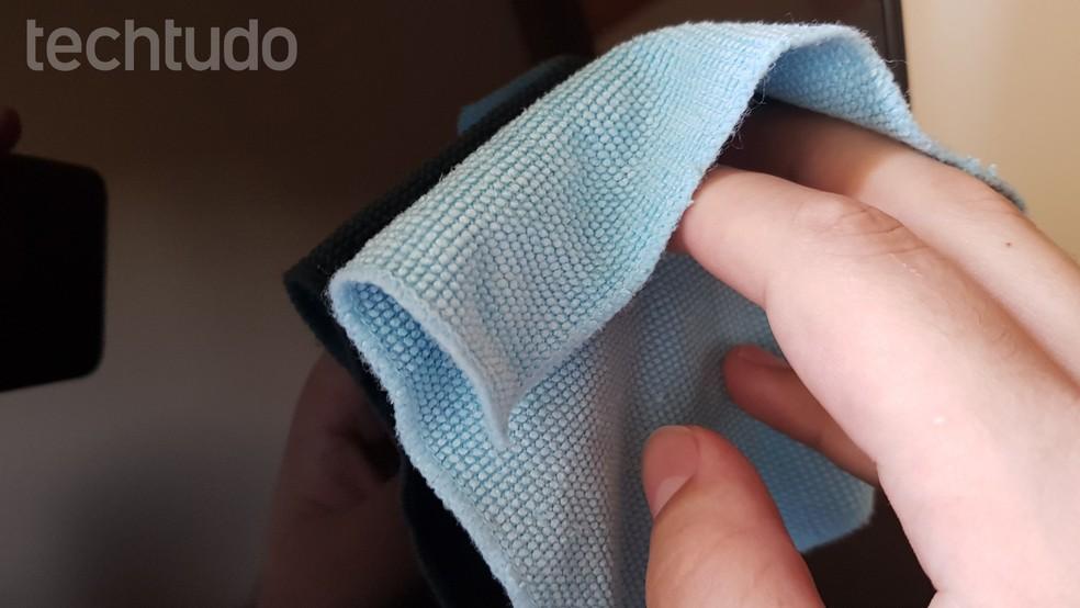 Como limpar a tela do notebook