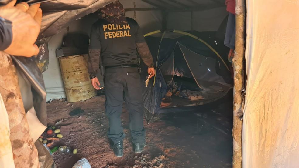 PF resgata 20 trabalhadores em condição análoga à escravidão em garimpos ilegais em Cumaru, no Pará — Foto: Divulgação/Polícia Federal
