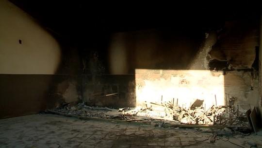 Imagens revelam que arquivos em incêndio no Albertão eram do Detran; órgão agenda inspeção
