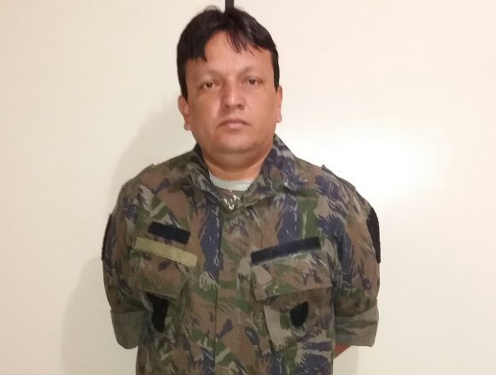 Wilson Lopes Junior, de 40 anos, foi preso nesta quarta. Entre suas vítimas estão juíz, delegado e escrivão da Polícia Federal (Foto: Polícia Civil/Divulgação)