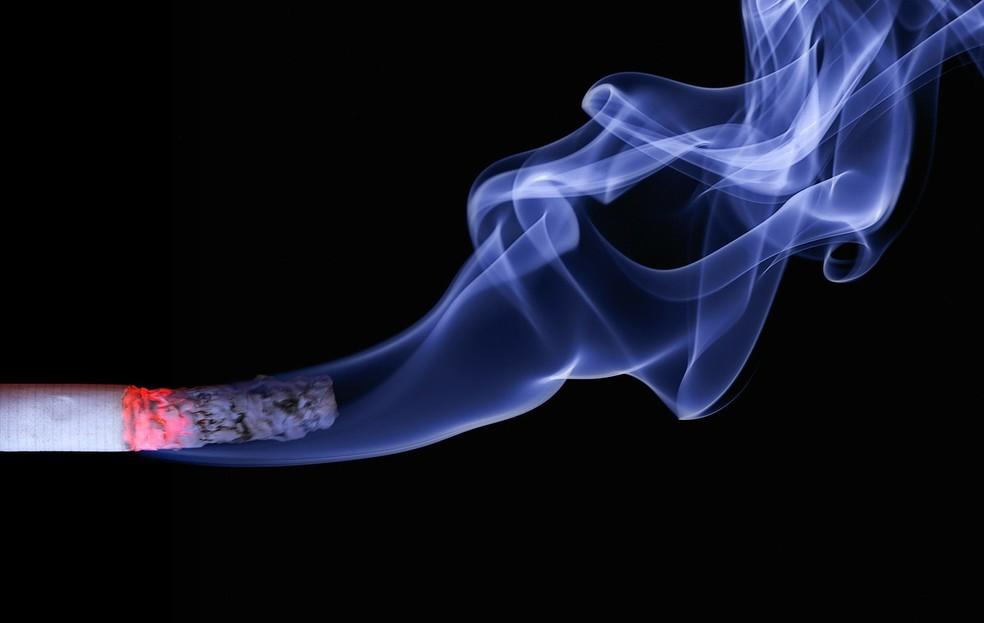 OMS tem meta de redução de 30% do uso de tabaco até 2030 (Foto: RealWorkHard/Pixabay/CC0 Creative Commons)