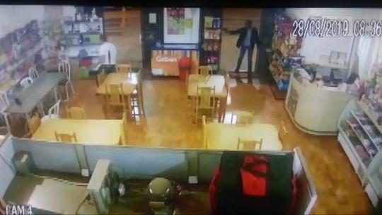 Ex-prefeito de Laranjal é morto a tiros em panificadora da cidade