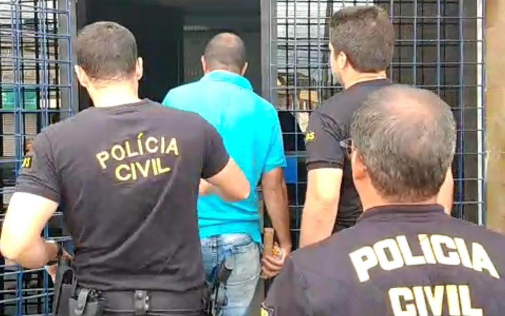 Homem foi detido em operação que investigou fraude em licitação em Itamaracá, no Grande Recife, em novembro de 2019 — Foto: Reprodução/Polícia Civil