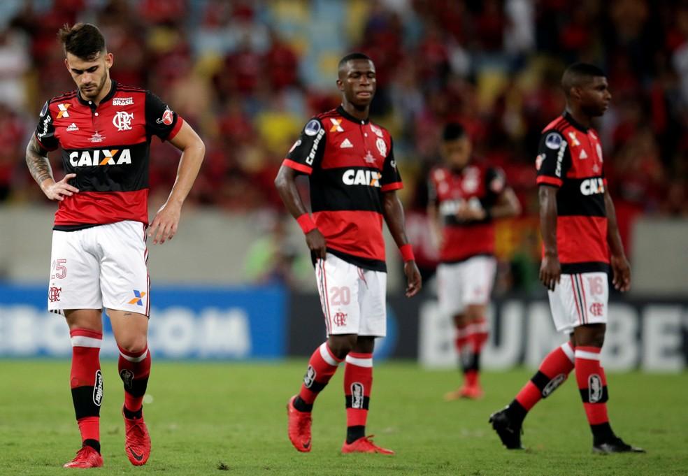 Flamengo perdeu o título da Sul-Americana de 2017 para o Independiente — Foto: Ricardo Moraes/Reuters