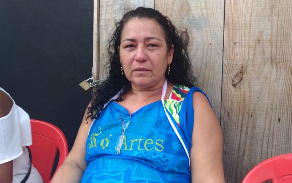 Aluna de Nadinho, Raimunda Oliveira se emociona ao lembrar do professor (Foto: Juliana Almirante/ G1)