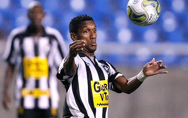 Bruno Tiago na partida do Botafogo (Foto: Ag. Estado)
