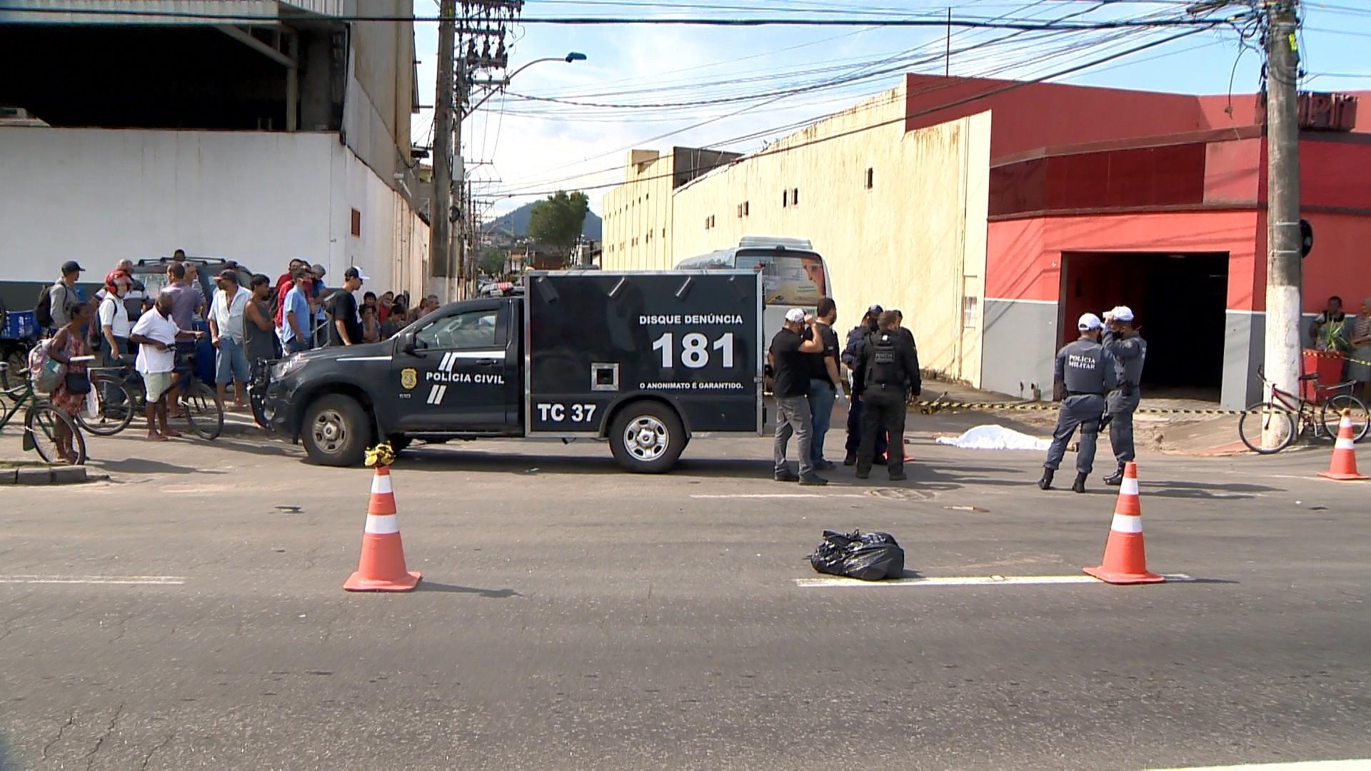 Ciclista morre depois de ser atropelado por ônibus em Vila Velha, no ES