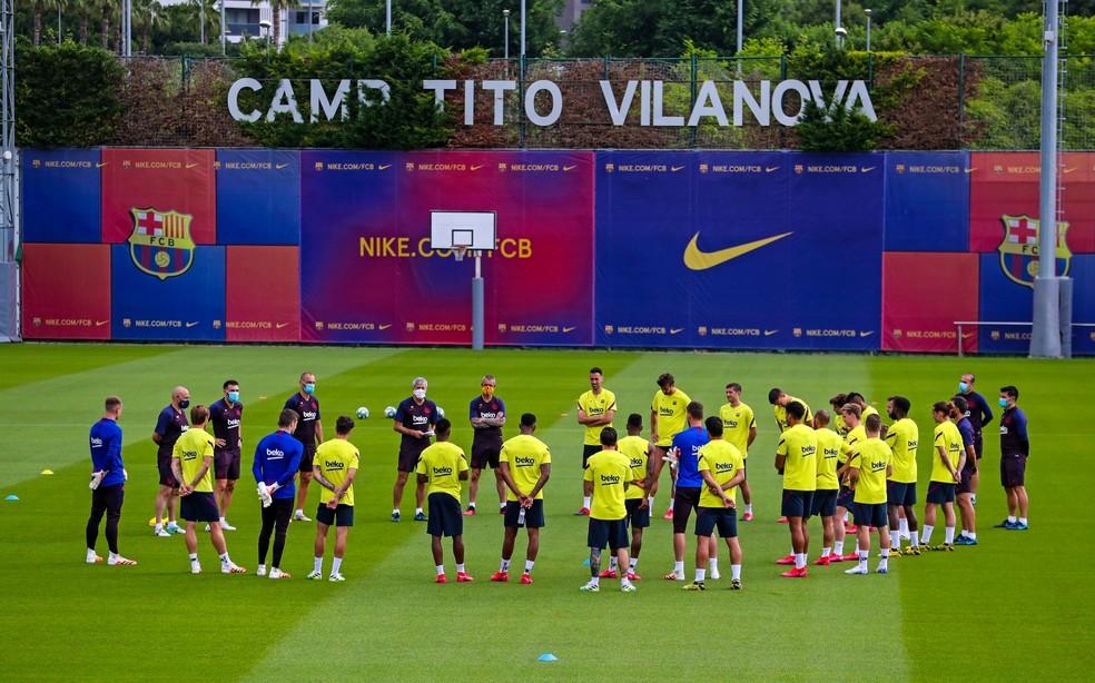 Barcelona fez nesta segunda seu primeiro treino com elenco completo em dois meses e meio — Foto: Miguel Ruiz/Barcelona