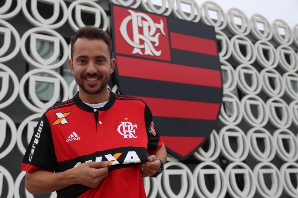 b3a656acf4 ... Éverton Ribeiro é um dos oito reforços do Flamengo para 2017 — Foto   Gilvan de