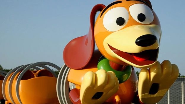 A carinha do cachorro de brinquedo na montanha-russa (Foto: Divulgação)