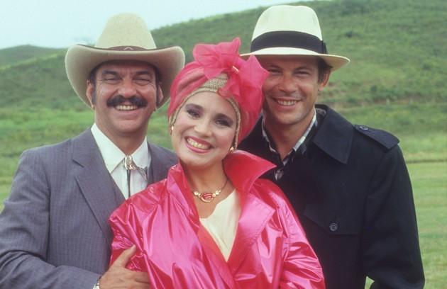 Com Lima Duarte e Regina Duarte em 'Roque Santeiro' (Foto: TV Globo)
