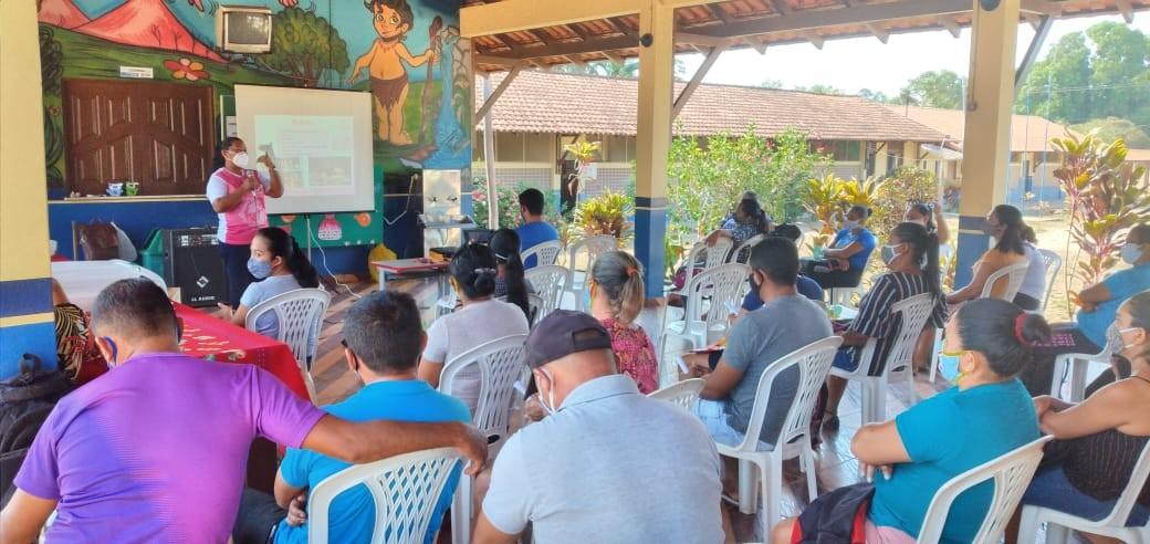 Comunidades do Lago Grande, em Santarém, recebem programação da campanha Outubro Rosa