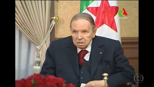 Presidente da Argélia desiste de concorrer ao 5° mandato seguido