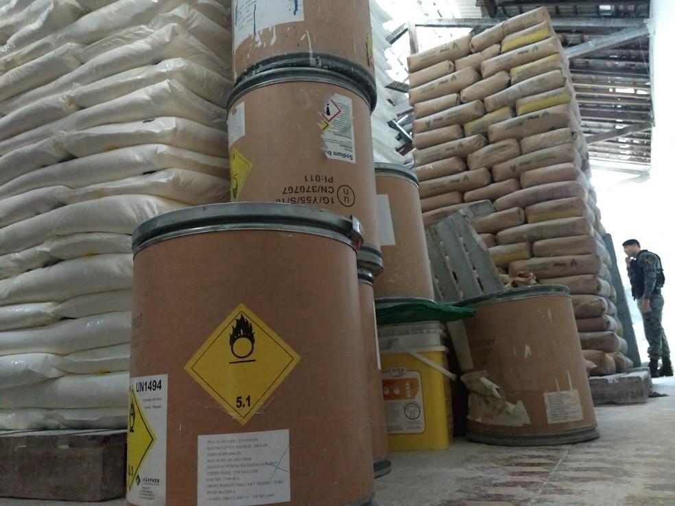 Embalagens de bromato de sódio foram encontrados na distribuidora de pães na Levada, em Maceió — Foto: MP-AL/Ascom