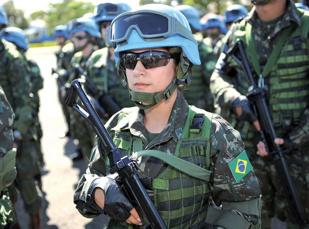 Soldado brasileira em atividade no Haiti (Foto: Flickr/Ministério da Defesa)