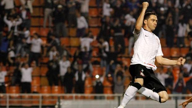 Chicão gol Corinthians (Foto: Ale Vianna / Ag. Estado)