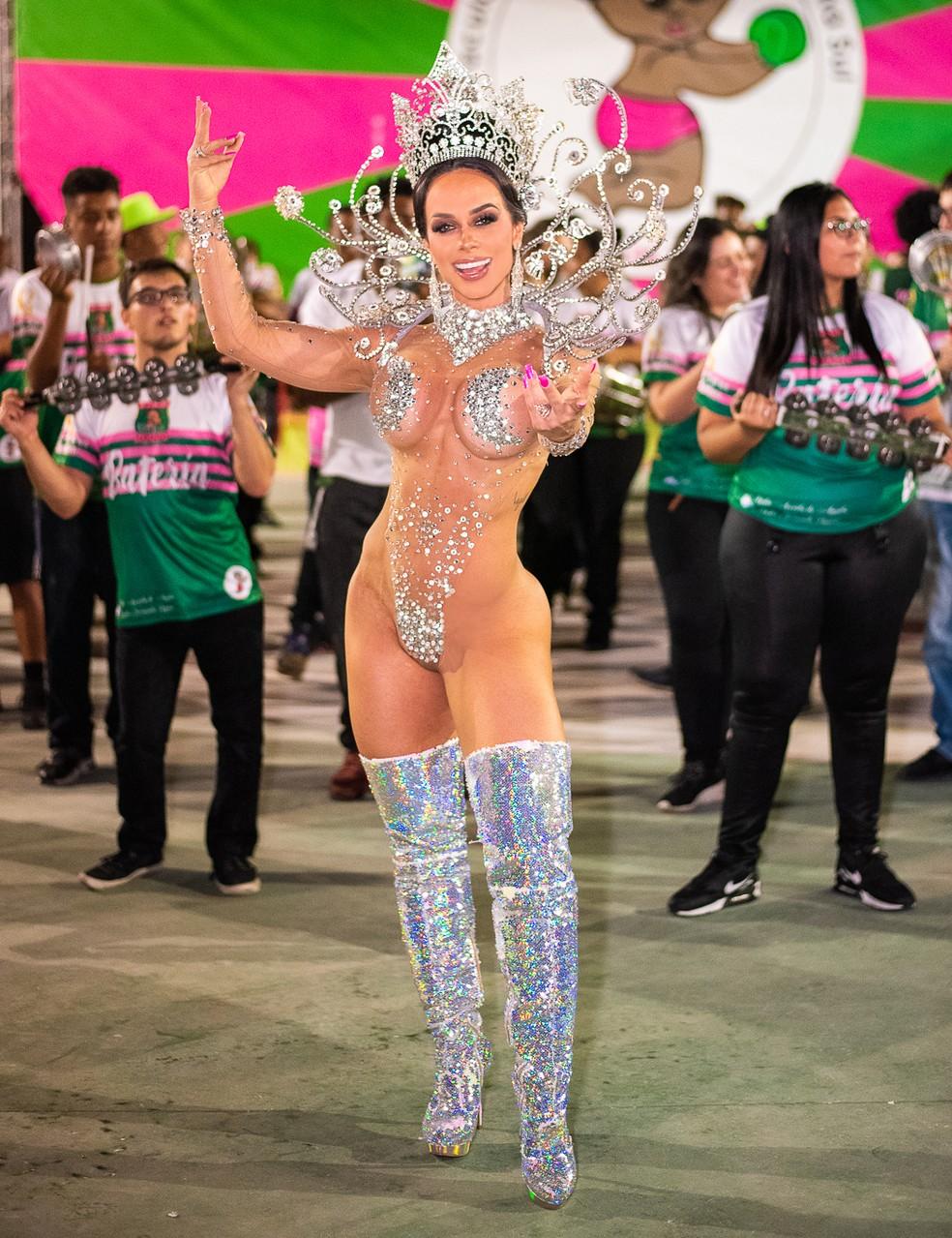 Renata Spallicci estreia como rainha da escola de samba Barroca Zona Sul no carnaval 2020 — Foto: Eimagec / Divulgação