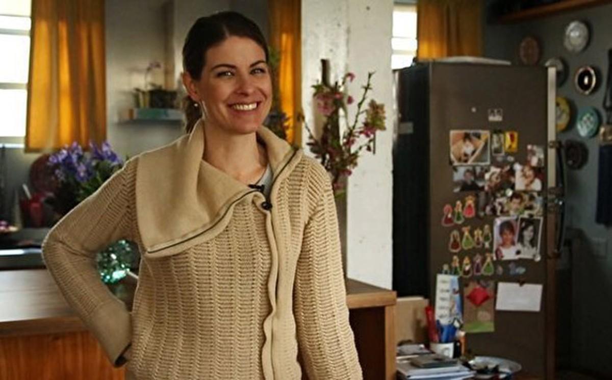 Rita Lobo abre o armário de louças e dá dicas para montar