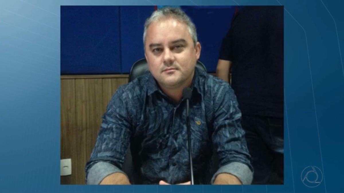 Justiça determina volta do prefeito de Alhandra, PB, ao cargo