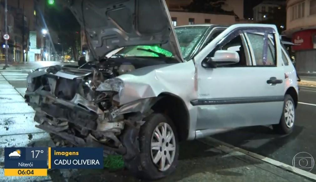 Motorista perde o controle e derruba muro da UPA da Tijuca