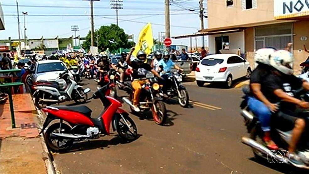 GO - Rio Verde: Carreata a favor de Bolsonaro aconteceu entre as 11h e 12h deste sábado (29) — Foto: Reprodução/TV Anhanguera