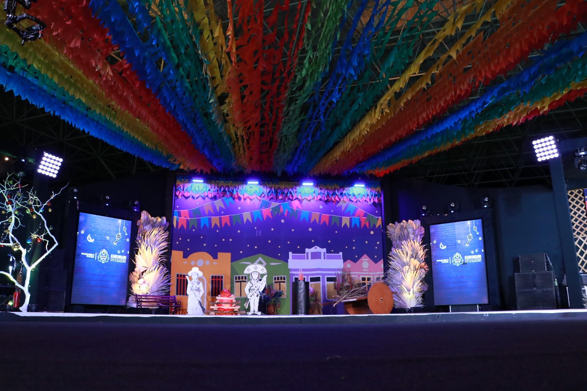 Casais de noivos se apresentam na quarta noite do Arraiá da Capital; G1 transmite a festa