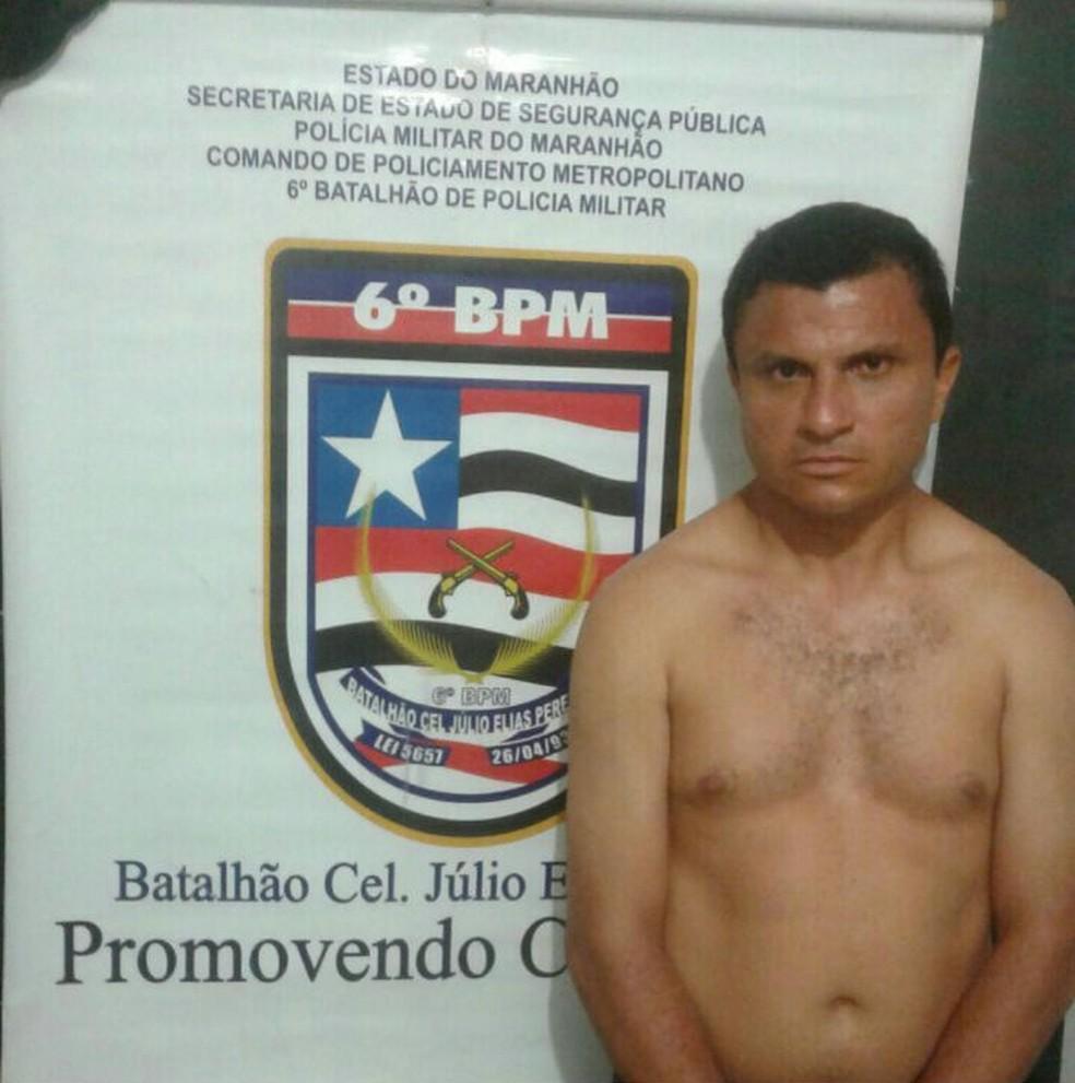 Joel Magno Siqueira dos Santos foi preso em flagrante (Foto: Polícia Militar / Divulgação)