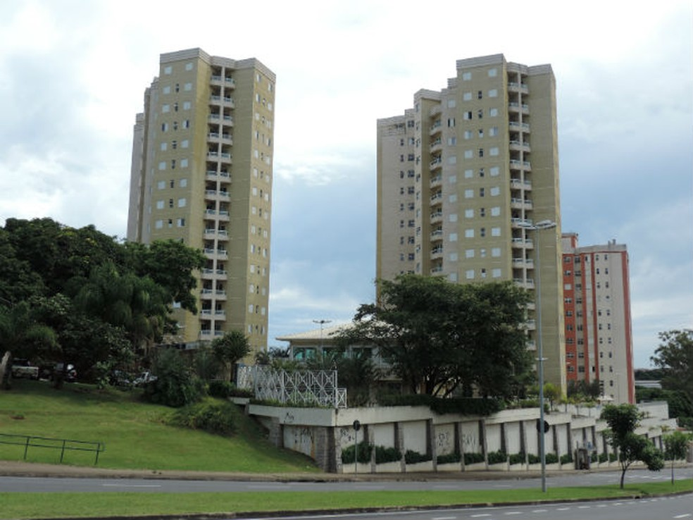 Condomínios verticais podem ser administrados por síndicos profissionais ou eleitos em assembleia — Foto: Mayara Corrêa/G1