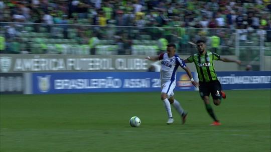 """Juninho analisa má fase do América-MG, vê Adilson Batista o """"menos culpado"""" e pede união"""
