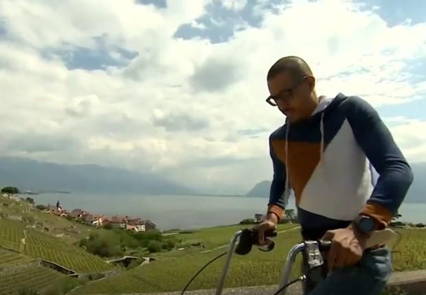 Implante na medula faz homem voltar a andar (Foto: Reprodução/BBC News Brasil)