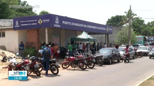 Filas se formam no Detran de Palmas no último dia do prazo para pagamento do IPVA