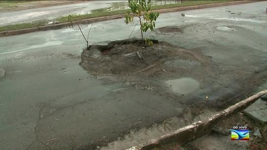 Avenida Odorico Amaral de Matos sofre por falta de infraestrutura em São Luís