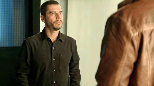 Camilo promete investigar a vida de Chiclete: 'Vou descobrir tudo'