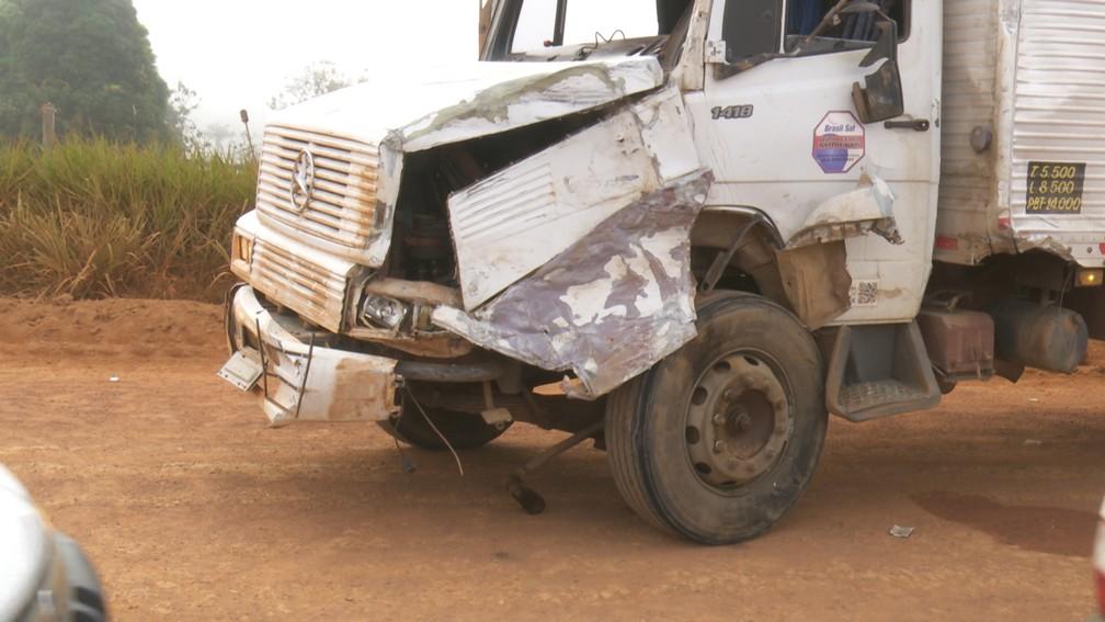Caminhão tinha saído de Minas Gerais e iria até Alto Paraíso — Foto: Rede Amazônica/Reprodução