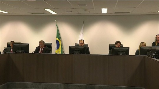 TJ-MG nega recurso e mantém condenação de Eduardo Azeredo