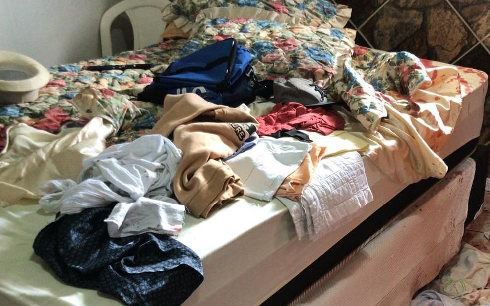 Homem foi esfaqueado por ladrão dentro de casa, na Zona Leste de Natal. — Foto: Geraldo Jerônimo/Inter TV Cabugi