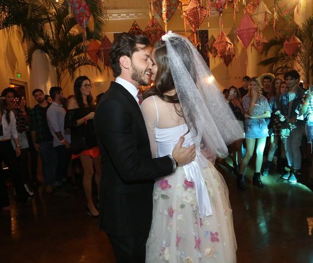 Klebber Toledo e Camila Queiroz (Foto: Reginaldo Teixeira/CS Eventos Divulgacao )