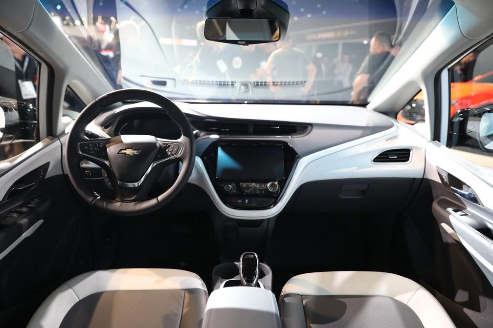 Interior do Chevrolet Bolt apresentado no Salão do Automóvel de São Paulo 2018 — Foto: Fábio Tito/G1