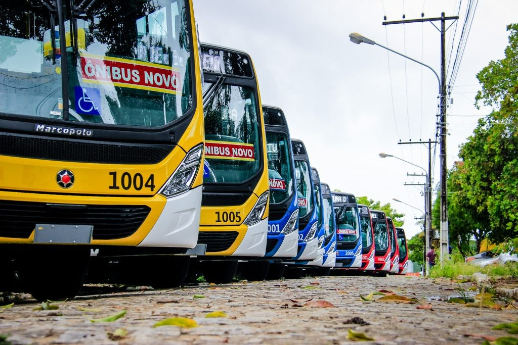 Linha de ônibus 017 volta a circular após protestos de moradores do São Jorge, em Maceió