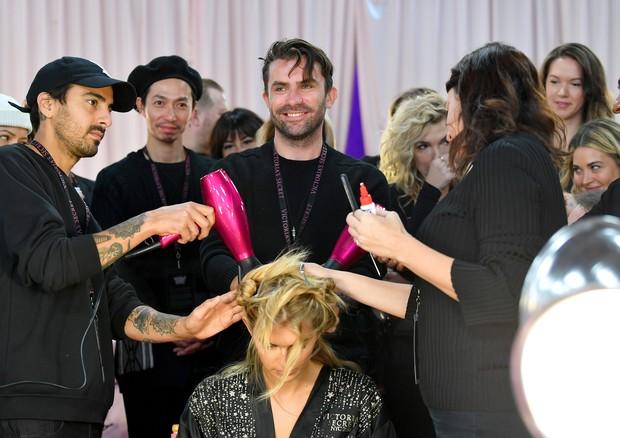 Quantas pessoas são necessárias para um cabelo?  (Foto: Getty Images)