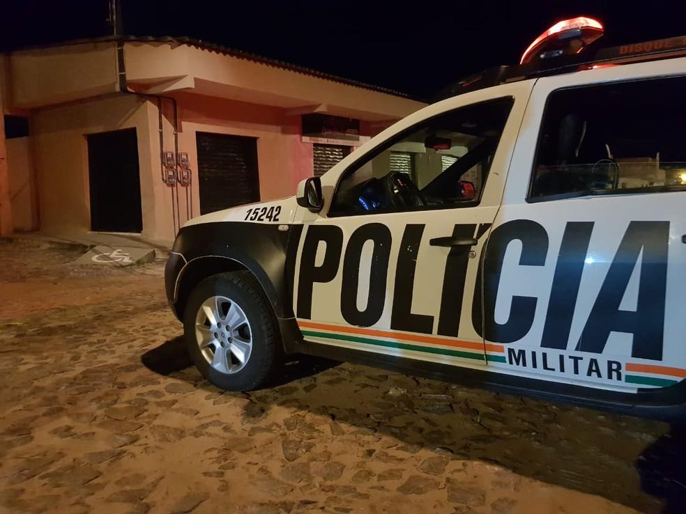 Vítima foi abordada pelos criminosos quando caminhava na Rua Marcelo Maia, no Icaraí. — Foto: Rafaela Duarte/ SVM