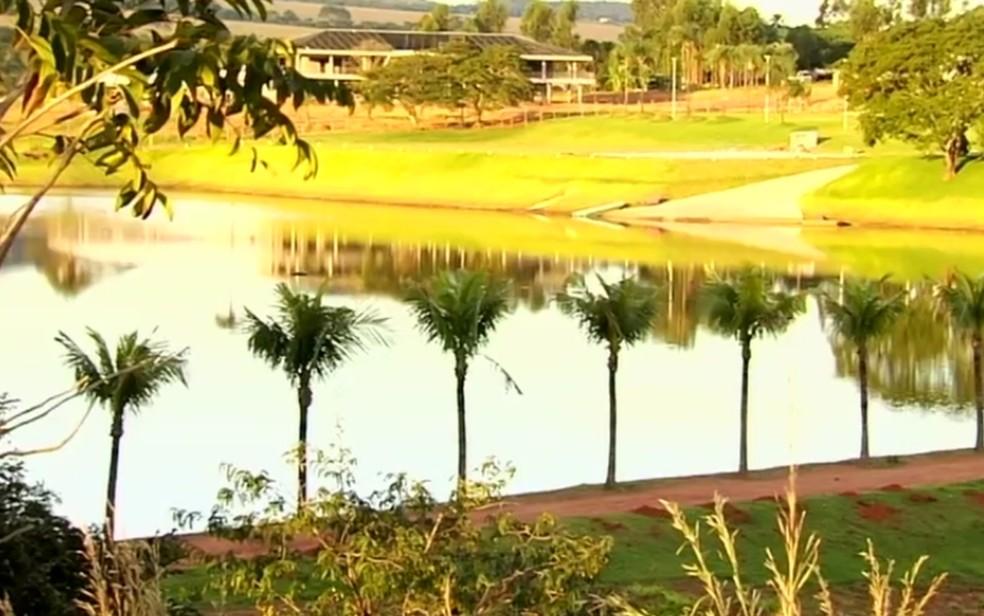 Fazenda do Gusttavo Lima em Goiás — Foto: Reprodução/TV Anhanguera