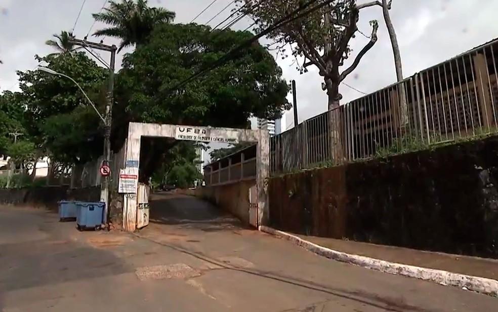 Confusão ocorreu na Faculdade de Filosofia da Universidade Federal da Bahia (UFBA) (Foto: Reprodução/TV Bahia)