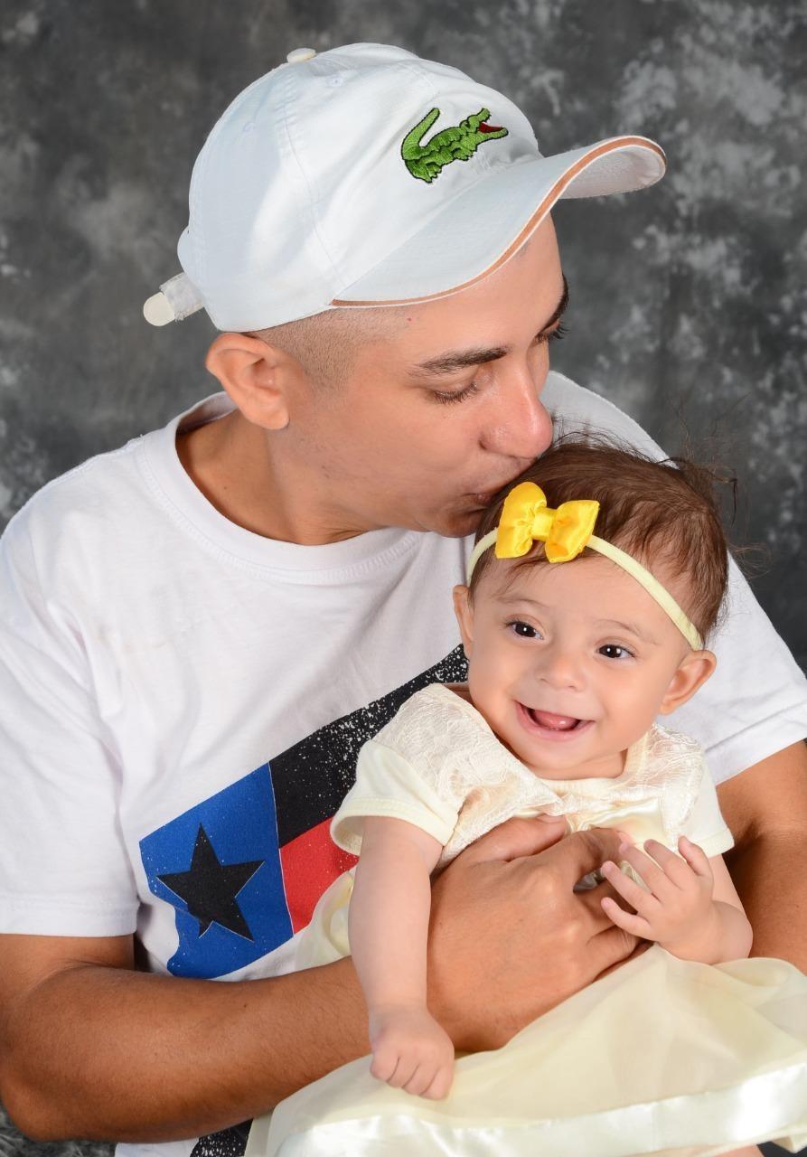 Pai descobre ter 'ossos de vidro' após diagnóstico da filha de 1 ano com a mesma doença
