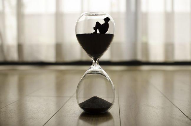 Ampulheta, tempo, perigo, termino (Foto: Pixabay)